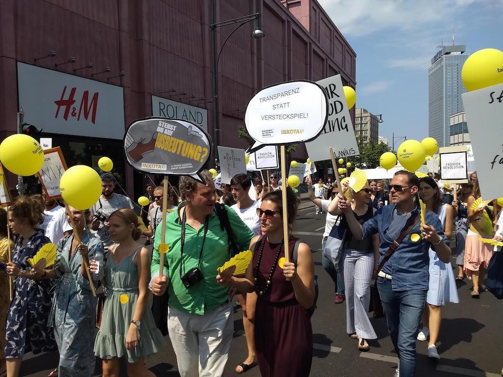 FairFashionMove Menschenrechte Und Nachhaltigkeit Sind Mehr Wert Als Fast Fashion Und Style